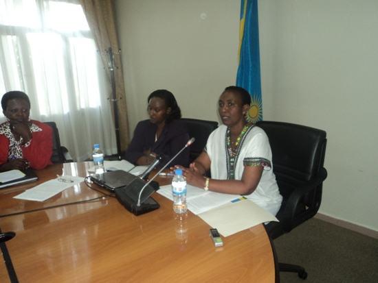 Rwanda : Ministre INYUMBA ati iki? Kuri uyu munsi w'Umugore