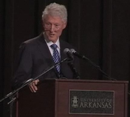 U Rwanda nicyo gihugu kiri ku murongo kurusha ibindi muri Africa – Bill Clinton