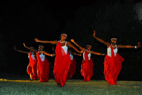RWANDA : CULTURES ET HISTOIRES
