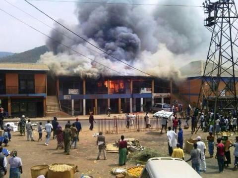 Des équipements médicaux ravagés par un énorme incendie au Rwanda