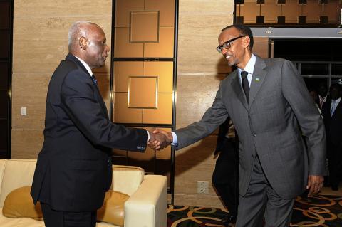 Angola: Chefs d'Etat angolais et rwandais réunis à huis clos