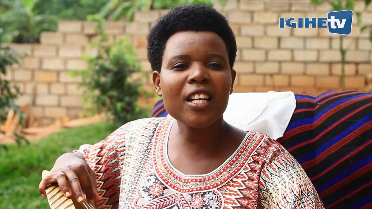 Video: Nzayisenga Sophia, umugore umaze imyaka 30 acuranga inanga