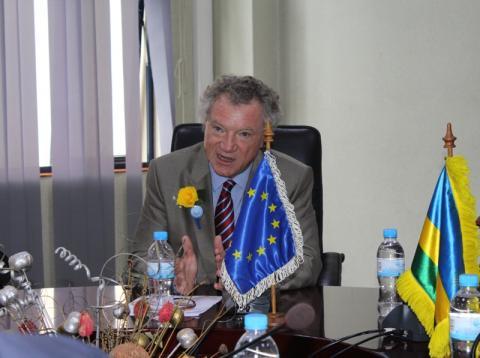 L'UE débloque des fonds pour la construction de routes rurales au Rwanda