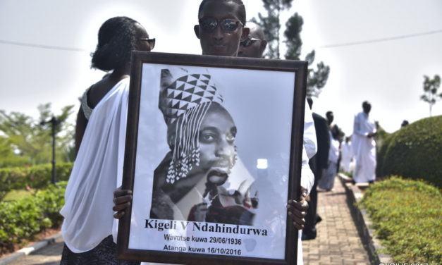 Kurikira uko umuhango w'itabarizwa rya Kigeli V Ndahindurwa uri kugenda (Amafoto)