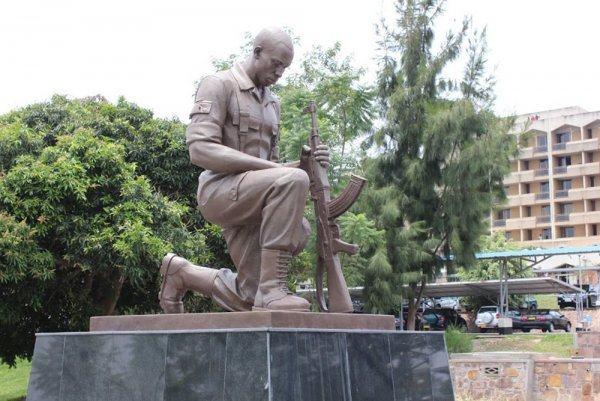 Pour une Reconstitution artistique des sites héroiques rwandais ; héros du travail aussi ?