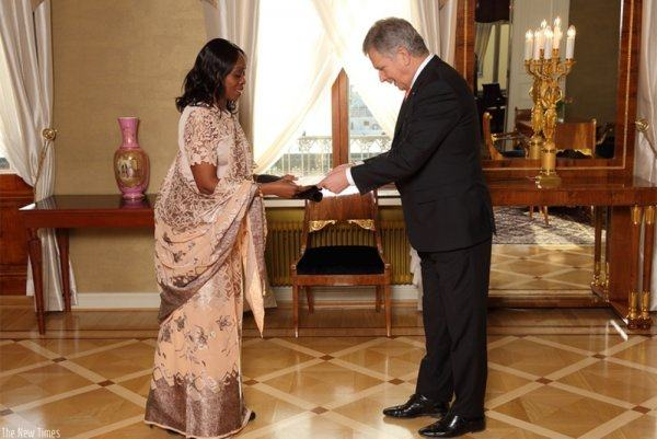 Amb.Nkulikiyinka répresente officiellement le Rwanda en Finlande
