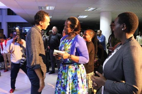Au Rwanda, l'écrivain Gaël Faye présente son «Petit pays» en musique