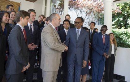 Des étudiants de Stanford (USA) reçus par le Président Kagame