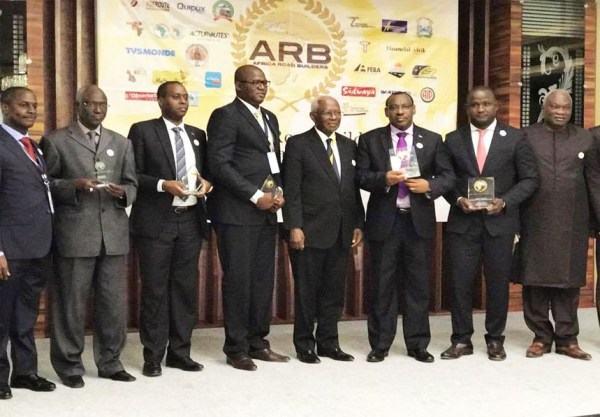 Les Présidents Paul KAGAME et Macky SALL ont réceptionné le Super Prix Grand Bâtisseur – Trophée Babacar NDIAYE