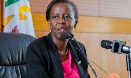 Rwanda – Louise Mushikiwabo: «Nous ne sommes pas impliqués dans les problèmes des immigrants en Israël»