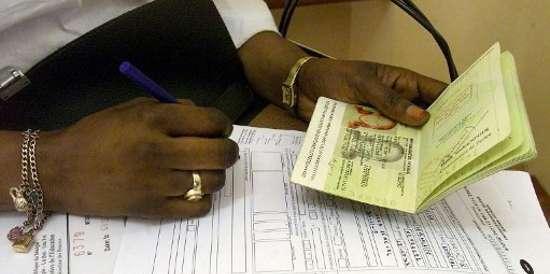 « Monsieur le Ministre, pourquoi faut-il passer par la France pour avoir un visa pour le Burkina ? »