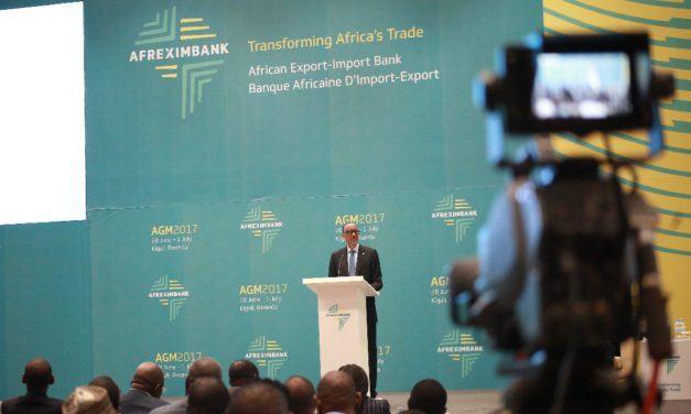 Perezida Kagame yasabye ibihugu bya Afurika gukuraho imbibi mu buhahirane