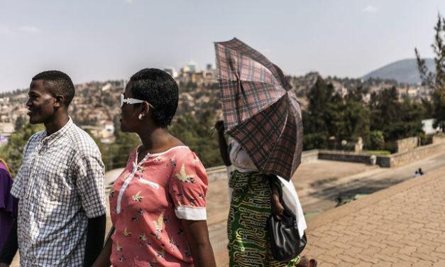 Un dimanche à Kigali, du mémorial du génocide à « l'hôtel des mille combines »