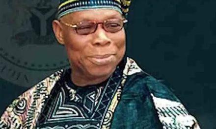 Monnaie Africaine: Obasanjo propose le nom de ECO à la nouvelle monnaie pour remplacer le CFA