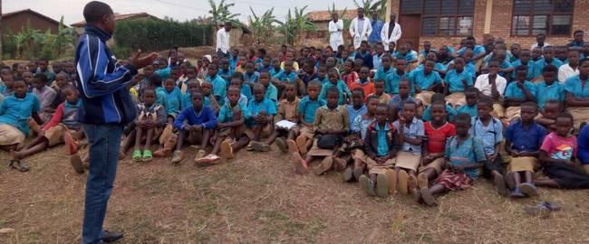 Les élèves sont priés de lutter contre l'idéologie du génocide