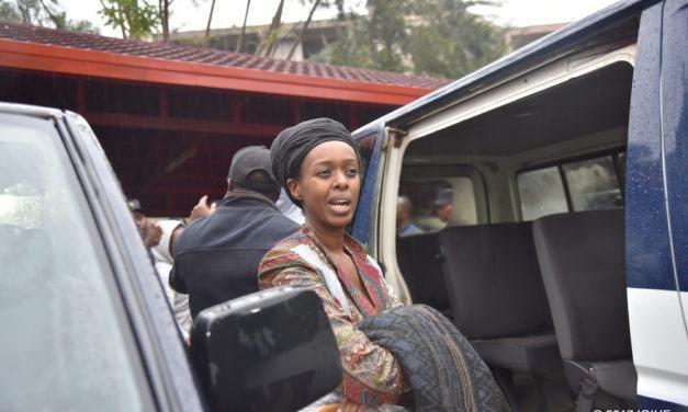 Diane Rwigara, Anne Rwigara n'umubyeyi wabo bakuwe mu rugo rwabo ku ngufu