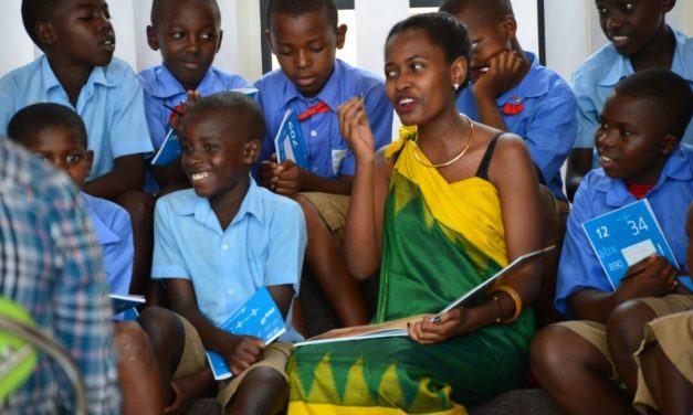Interview: Denyse Umuhuza, une auteure qui redonne aux enfants ce qu'elle a reçu de sa Grand-Mère