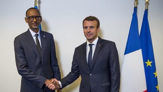Perezida Kagame yagiranye ibiganiro na Emmanuel Macron w'u Bufaransa (Amafoto)
