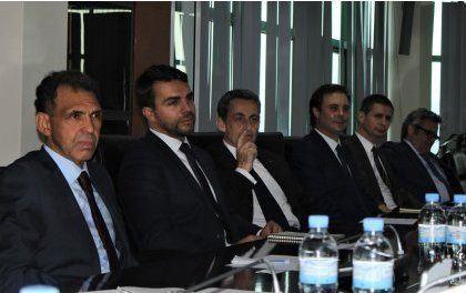 Sarkozy à Kigali à la tête d'un groupe d'hommes d'affaires français