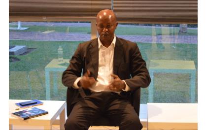 """Le livre """"Rwanda : Contre l'Ethnisme"""" étale au public des documents d'église déviants"""