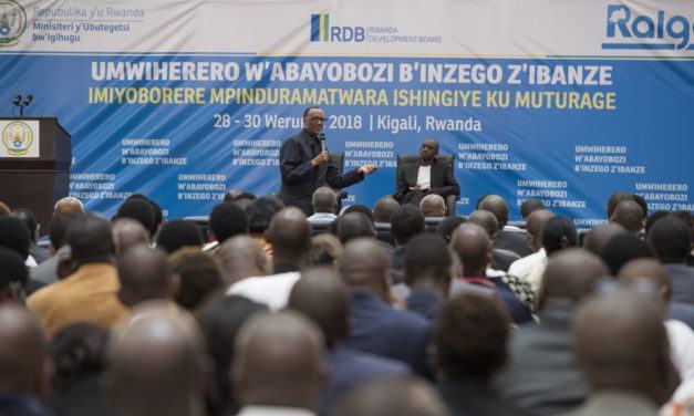 « Soyez courageux et responsables », Président Kagame dit aux dirigeants