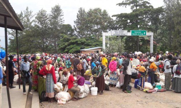 Mushikiwabo yaburiye impunzi z'Abarundi zinjiranye mu Rwanda 'imyitwarire idasanzwe y'idini'