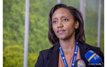 Perezida Kagame yahaye Yvonne Makolo kuyobora RwandAir