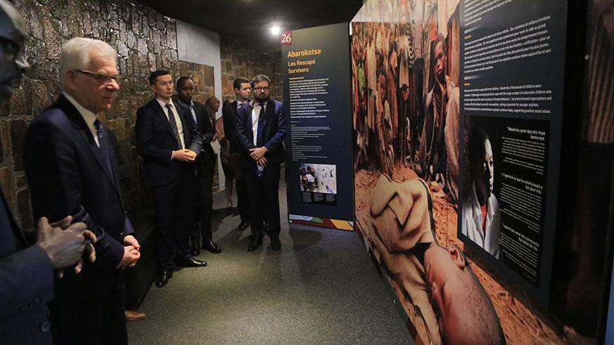 Le Ministre polonais des Affaires Etrangères interpelle la Communauté Internationale sur le Génocide.