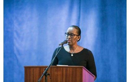 Madamu Jeannette Kagame yashimye uruhare rwo kwandika kuri Jenoside mu kurwanya abayihakana