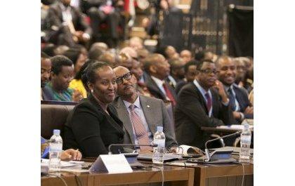 Le couple présidentiel rwandais organise une fête à la Journée mondiale de la mère