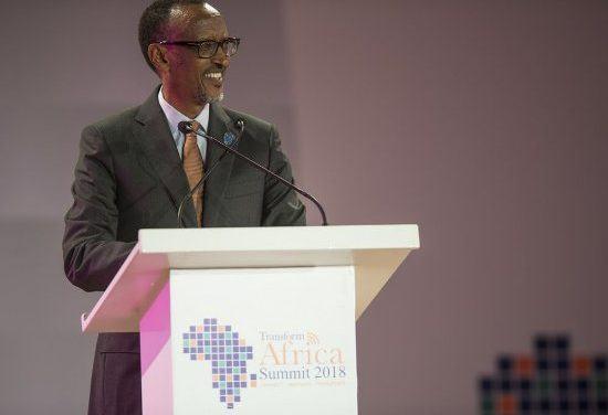 Paul KAGAME – L'Afrique restera pauvre si nous ne changeons pas notre façon de faire des affaires.