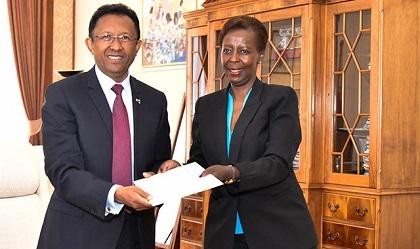 OIF : La Canditaure de Mushikiwabo Comme Secrétaire de l'OIF, Reçue par le Président Rajaonarimampianina