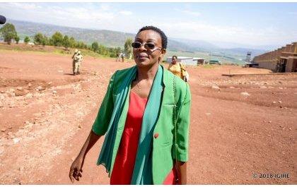 Mme Victoire Ingabire répond à la convocation de RIB dans une ambiance détendue