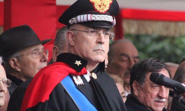 Le chef de la gendarmerie italienne rend hommage aux victimes du génocide à Gisozi