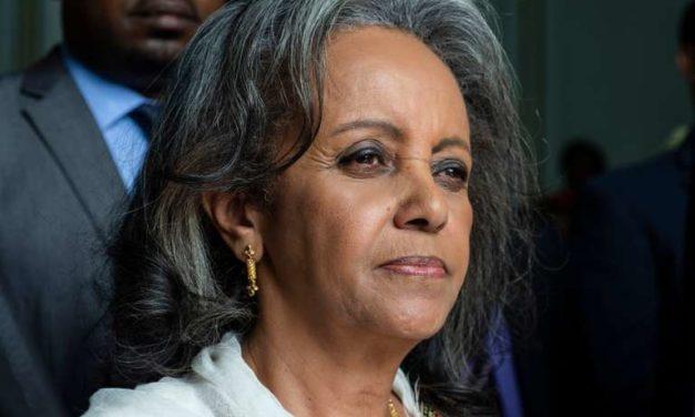 « En politique, les femmes africaines demeurent aussi craintes que courtisées »