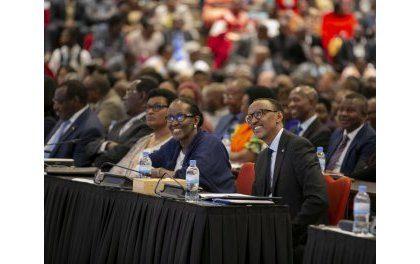 16è Dialogue National inscrit sous la réclamation de baisse des taux d'intérêt bancaires