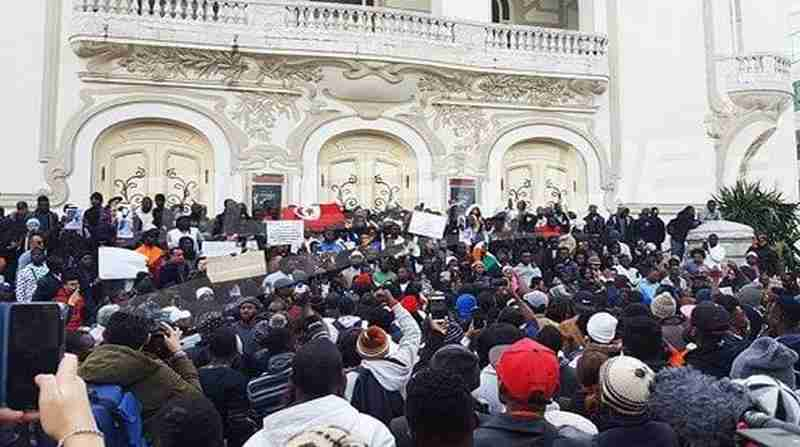 Manifestation d'Ivoiriens à Tunis après le meurtre du président de leur communauté