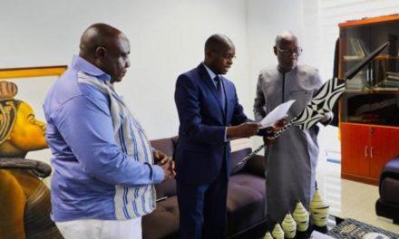 Le Rwanda offre des objets d'art au musée des civilisations noires de Dakar