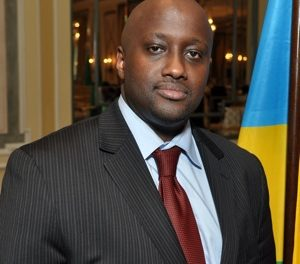 Nduhungirehe yahagarariye Perezida Kagame mu nama yiga ku iterambere rya Leta ya Gujarat