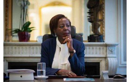 Francophonie : entre Paris et Kigali, le jeu d'équilibriste de Louise Mushikiwabo