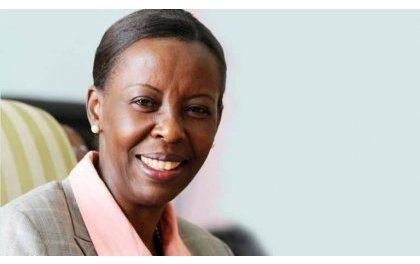 """Louise Mushikiwabo: """"ouvrir le français à la jeunesse africaine"""""""
