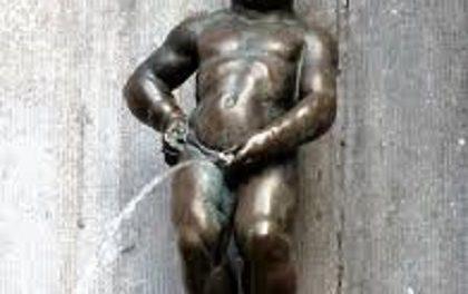 Manneken Pis en Habit de « Intore »
