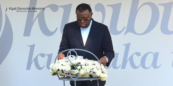 Visite du Président de la Namibie au mémorial du génocide de Kigali