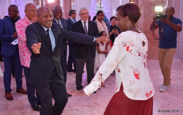 U Bufaransa: Abanyarwanda n'inshuti zabo bahuriye mu birori byo kwizihiza umunsi wo Kwibohora (Amafoto)
