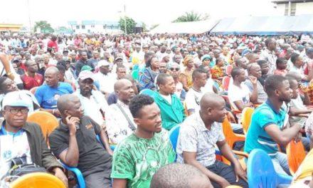 Côte  d'Ivoire: 100.000 personnes prennent d'assaut la place CPI de Yopougon  pour exiger le retour de GBAGBO et la reconciliation à OUATTARA