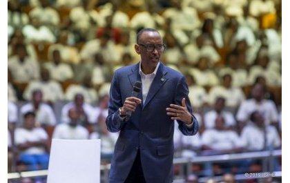Meet the President : Kagame brosse le modèle souhaité de jeune travailleur