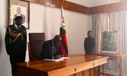 Le Premier Ministre représente le Rwanda aux funérailles de l'ancien Président zimbabwéen