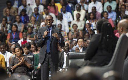 Perezida Kagame yagaragaje amahitamo atatu yagendeweho mu kwemera kwakira impunzi zo muri Libya