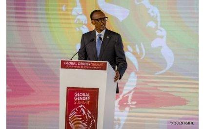 Kagame prône  un accès aisé aux outils financiers pour la femme d'affaires africaine