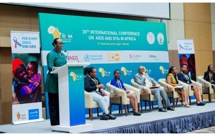 ICASA-Kigali : La première Dame prone pour une prise de conscience des jeunes filles du danger du VIH-Sida
